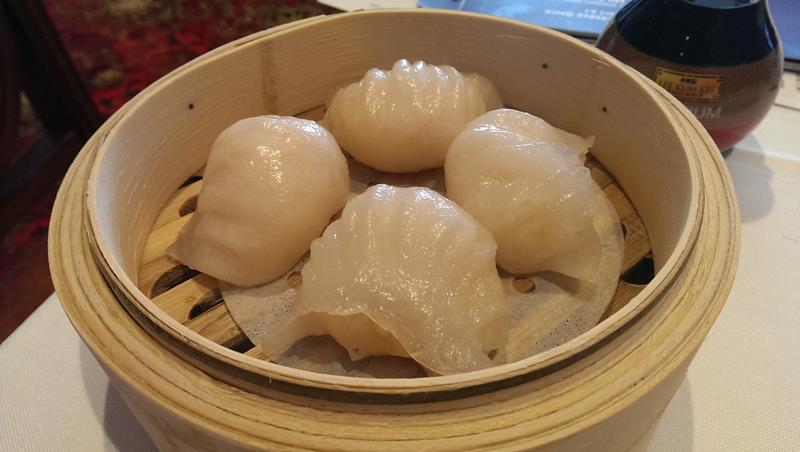 Steamed prawn dumplings (ha gao)