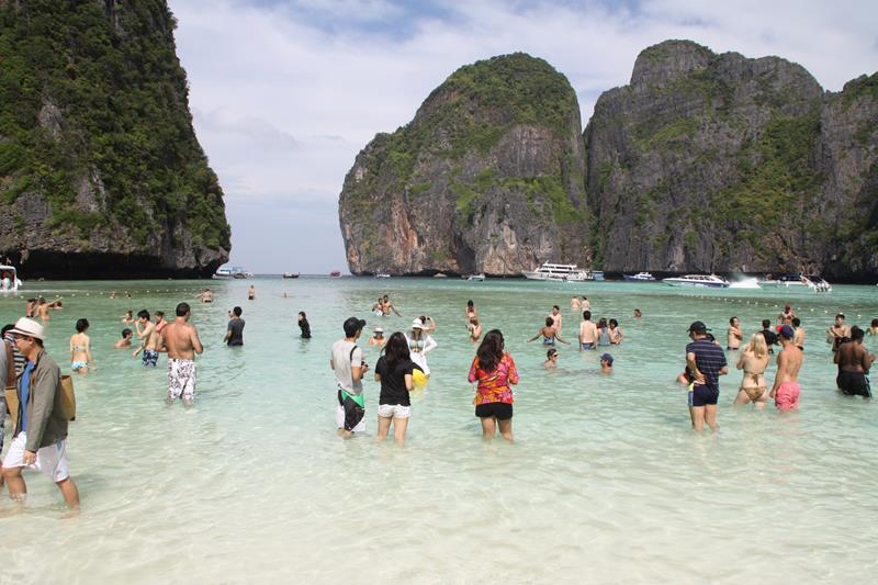 The flock of tourists on Koh Phi Phi Leh Thailand
