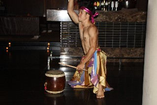 Traditional Thai performance at Maya Restaurant