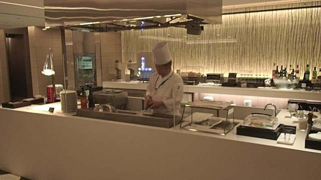 JAL First Class lounge at Haneda airport