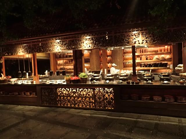 Food stalls at Pasar Senggol Restaurant Nusa Dua