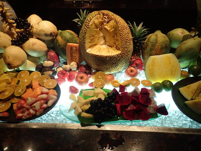Fresh fruit at Pasar Senggol Restaurant Nusa Dua