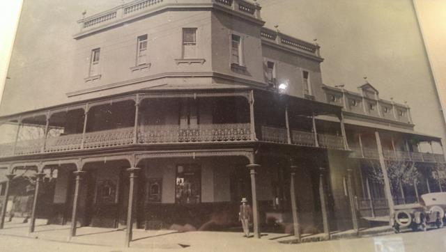 The Historical Woolpack Hotel - The oldest Licenses pub in Sydney