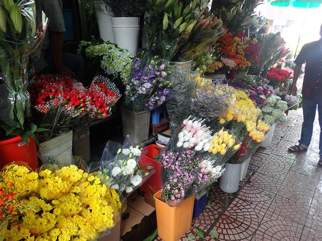 Fresh flowers at Ben Thanh Markets