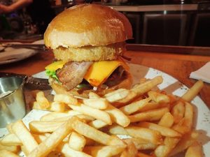 Great Burger at Hard Rock Cafe Surfers Paradise