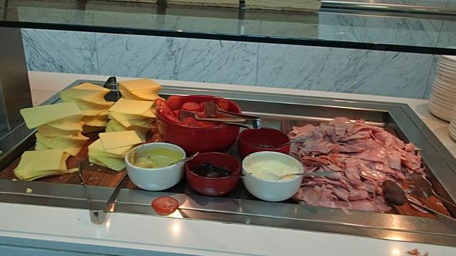 Qantas Club Business Lounge Melbourne Airport