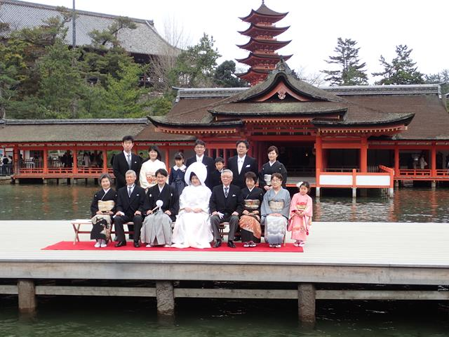 Japanese wedding at Itsukushima Shrine