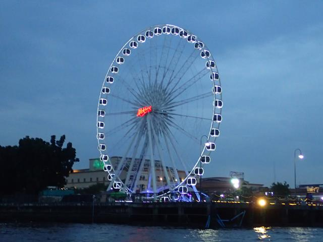 The ferris wheel at Asiatique