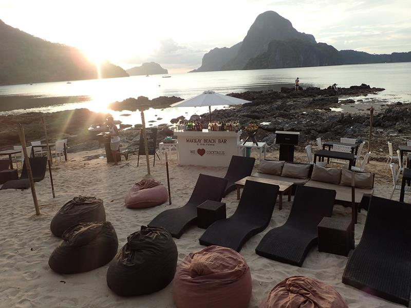 Makulay Beach Bar El Nido