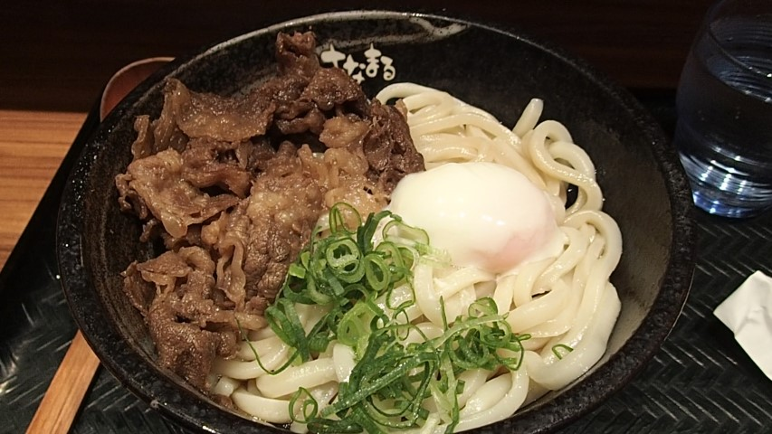 Cheap bowl of Udon noodles at Hanamaru