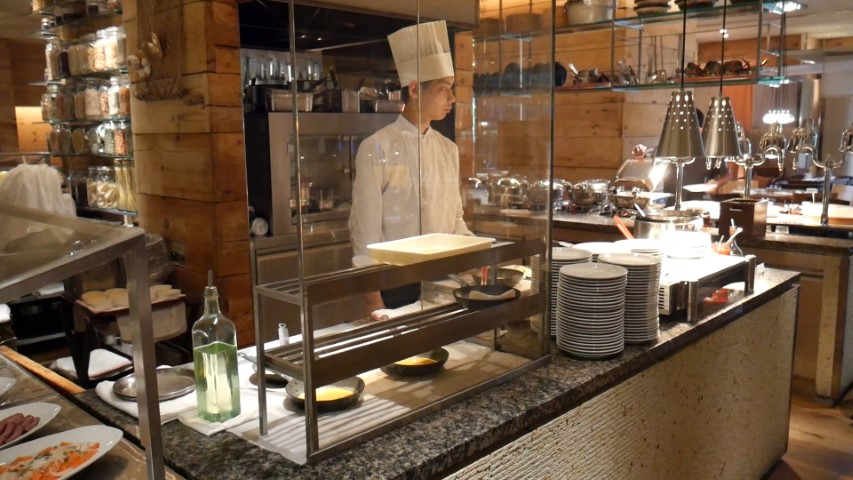 Egg Station at Hyatt Regency Tokyo Buffet Breakfast