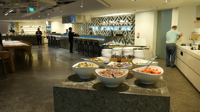 Buffet food at Qantas Singapore Lounge