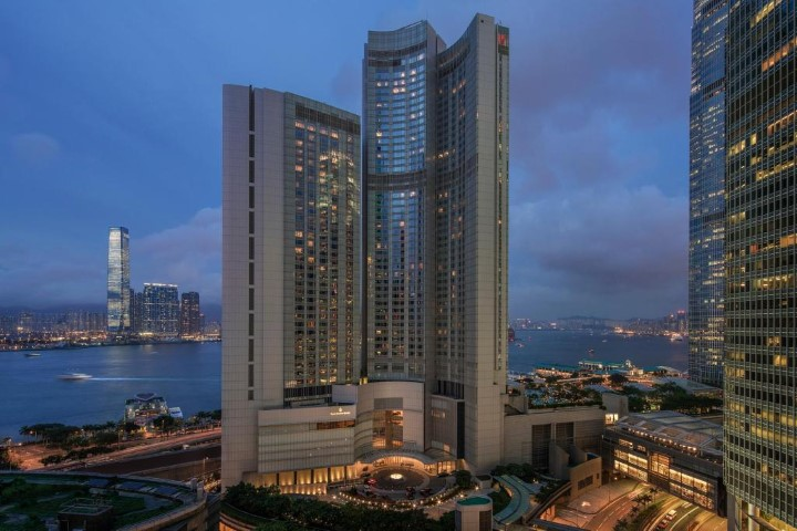 Four Seasons Hong Kong Hotel