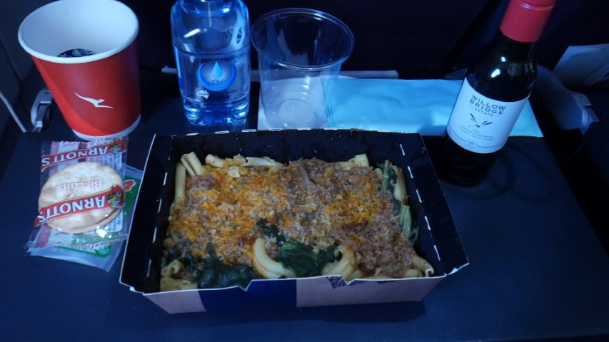 Meal in Economy Class Qantas Perth to Sydney