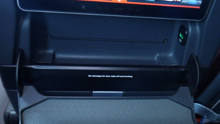 Storage Compartment in Economy Class on Qantas B787-9