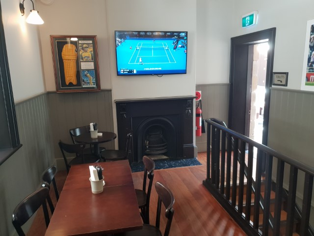 Inside Dundee Arms