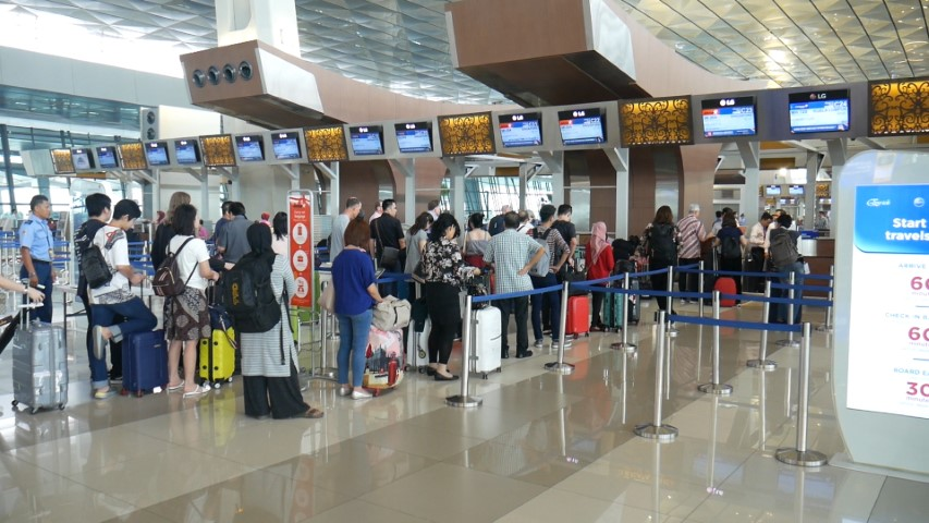 Jetstar Asia Check-in Queue at Jakarta Airport