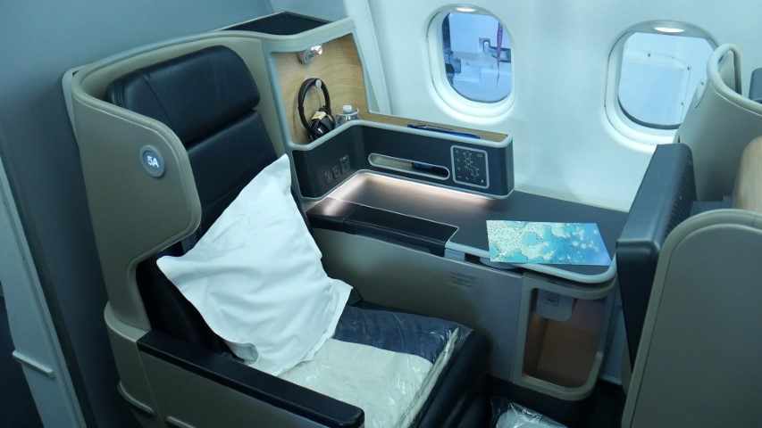 Vantage XL Business Class Seat on Qantas A330s