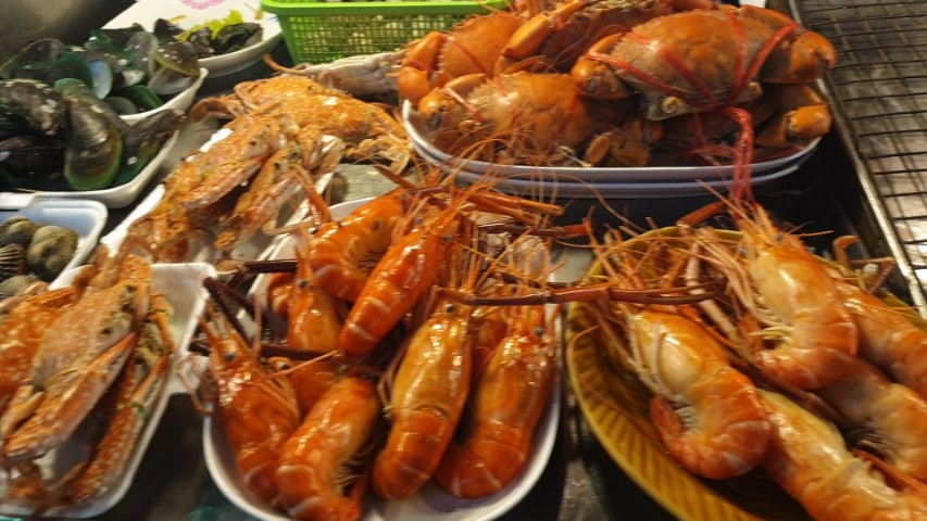 Fresh seafood at Hua Hin Night Market