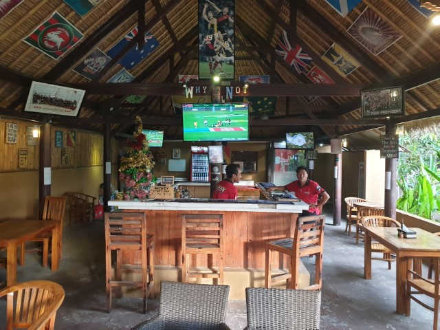 Best Sports Bar on Nusa Lembongan - Mickey Sports Bar