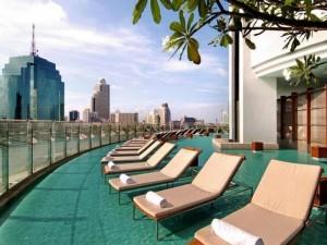 Swimming pool at the Hilton Hotel Bangkok