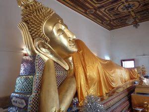 Reclining Buddha at Wat Poramaiyikawat