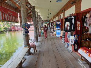 Sam Phan Nam Floating Market Hua Hin